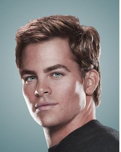sexy chris pine | hot actor picture of Chris Pine with medium haircut.JPG