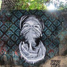 Piquetero// Rio de Janeiro (2010) Jardin Botanico junto a @brunobig // #RioDeJaneiro #brasil #piquetero #jardinbotanico  #street #streetphotography #sprayart #urban #urbanart #urbanwalls #wall #stencilart #art #graffiti #instagraffiti #instagood #artwork #mural #photooftheday #stencil #streetartistry #stickerart #pasteup #instagraff #instagrafite #streetarteverywhere by nazza.stencil