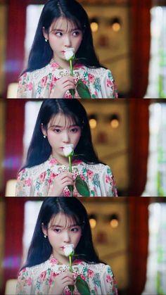 Kpop Girl Groups, Kpop Girls, Bts Backgrounds, Wallpaper Gallery, Queen, Korean Girl, Make Me Smile, Dreaming Of You, Idol