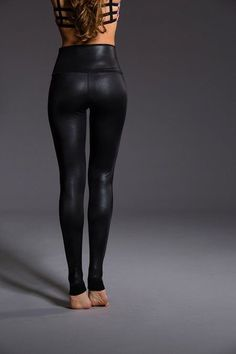 Onzie High Rise Legging Venom
