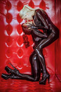 Latex 2 latex models kissing