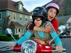 Sheldon's face on the scooter reminds me of my mum's face on rollercoasters :)