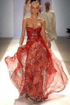 Stunning Carlos Miele