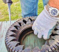 Cortando pneus pra fazer vaso