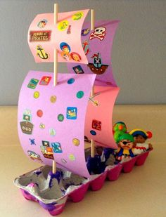 Pirate ship craft with egg carton and construction paper. Fun kid craft for pres… Pirate ship craft with egg carton and construction paper. Fun kid craft for preschoolers. Kids Crafts, Craft Activities For Kids, Toddler Crafts, Toddler Activities, Projects For Kids, Diy For Kids, Craft Projects, Arts And Crafts, Boat Crafts