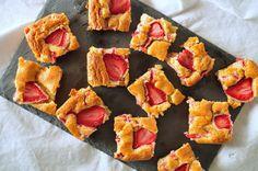 Découvrez la recette Blondie aux fraises sur cuisineactuelle.fr.