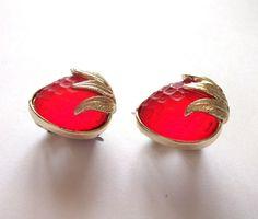 60'sアメリカ、 サラ・コベントリー イチゴのイヤリング