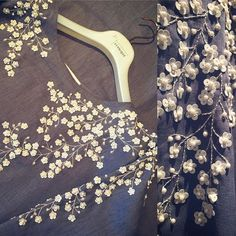 Sewing fabric comment 43+ Ideas Pearl Embroidery, Tambour Embroidery, Couture Embroidery, Embroidery Fashion, Embroidery Dress, Couture Details, Fashion Details, Hand Embroidery Designs, Embroidery Patterns