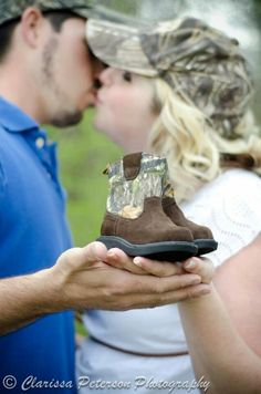 Camo maternity picture but with pink John Deere boots Country Maternity, Fall Maternity, Maternity Poses, Maternity Photography, Family Photography, Photography Ideas, Maternity Portraits, Newborn Pictures, Maternity Pictures