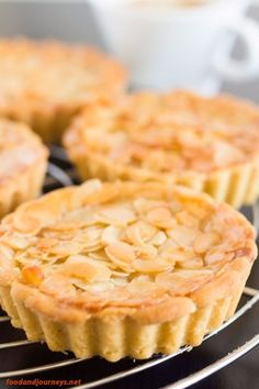 Closer shot of Swedish Almond Tart, highlighting the almond bits on top. Tart Recipes, Baking Recipes, Sweet Recipes, Dessert Recipes, Dessert Tarts, Healthy Recipes, Almond Tart Recipe, Almond Recipes, Almond Meal