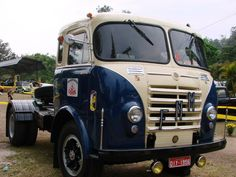 FNM Busses, Commercial Vehicle, Vintage Trucks, Cool Trucks, Cars And Motorcycles, Vehicles, Old Trucks, Old Advertisements, Trucks