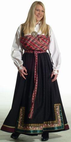 Bringeklutbunad - Vest-Telemark - Dame - Bunadene våre - Almankås Folk Costume, Costumes, Looking For Someone, Traditional Dresses, Vintage Photos, Norway, Bridal Dresses, Custom Made, Boards