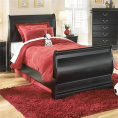 Huey Vineyard Twin Bedroom Group by Signature Design by Ashley at Ivan Smith Furniture Twin Sleigh Bed, Sleigh Bedroom Set, Bedroom Furniture, Home Furniture, Girls Furniture, Twin Bedroom Sets, Nebraska Furniture Mart, Coaster Furniture, Black Bedding