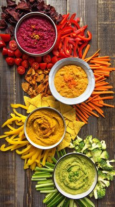 Recipe: dips for grilling, summer season and barbecue season. We have delicious recipes for you for hummus, hot harissa dip and guacamole - avocado cream. Spicy Appetizers, Popular Appetizers, Chicken Appetizers, Great Appetizers, Appetizer Recipes, Chicken Recipes, Barbecue, Bbq Grill, Healthy Food Blogs
