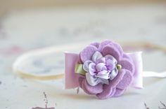 Felt Flower Headband Orchid Wool Blend Flower with Silk por bloomz