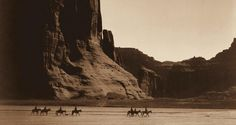 Navajo family This famous photograph depicts Navajo Indians on their horses at the turn of the century. The picture was taken by Edward Curtis at Canyon de Chelly.Mesmerizing Historical Photos From The Wild Wild West Edward Curtis, Native American Photos, Native American Tribes, American Indians, Library Of Congress, Photo Record, Trail Of Tears, Navajo Nation, Into The West