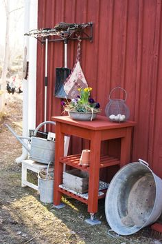 50 Best Potting Bench Ideas To Beautify Your Garden Bench Designs, Back Patio, Chickens Backyard, Outdoor Gardens, Outdoor Living, Home And Garden, Cottage, Pergola, Potting Benches