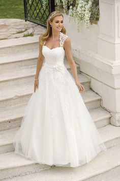 Wedding Dresses Black Tulle Explore the extensive collection of wedding dresses by Ladybird Bridal online. Affordable, stylish wedding dresses with the perfect fit for any figure. Black Wedding Dresses, Princess Wedding Dresses, Boho Wedding Dress, Designer Wedding Dresses, Bridal Dresses, Wedding Gowns, Lace Wedding, Bridal Style, Bridal Fashion