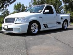 ford lightning trucks So would love to have this truck! Ford Lighting, Svt Lightning, Ford Svt, Sport Truck, Ford Lincoln Mercury, Ford F Series, Boy Toys, Top Cars, Custom Trucks