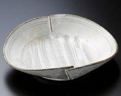 【楽天市場】21【日本製・中鉢&向付が 問屋価格で 】変形鉢が3形状・・・・・炭化・粉引・信楽焼 炭化:産地問屋の 【サクラ陶器 】