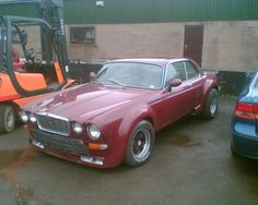 XJ5.3-Coupe, I believe. My one is about to be re-built. It will look better than this.