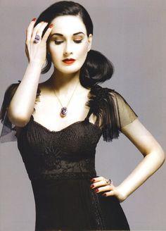 Dita Von Teese  Black Dress #2dayslook #ramirez701 #BlackDress www.2dayslook.com