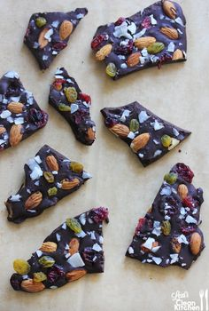 Sea-Salt Trail Mix Bark & A Holiday Gift Guide