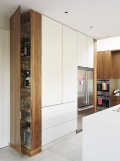 Eğer yeni bir ev kuruyor iseniz, yeni bir daireye taşınmak gibi, o zaman kesinlikle mutfağınızı daha fonksiyonel ve aynı zamanda rahat ve rahatlatıcı yapmak istiyorsunuz. Ben aynı zamanda size yard…