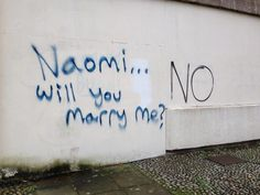 Most marriage proposals are a joyous occasion. These marriage proposal fails are not. Bad Marriage, Marriage Humor, Marriage Proposals, Wedding Fail, Wedding Humor, Wedding Pics, Funny Images, Funny Photos, Jokes Photos