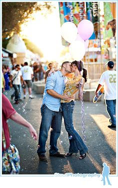 engagement portraits carnival | engagement or wedding pictures at a carnival just look how cute these ...