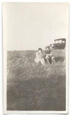 Sunday Drive Pretty Flapper & Boyfriend In Grassy Field Vintage Snapshot Ford Model T Car Argyle Socks 1920's Photo Antique Photos, Vintage Photos, Fancy Dress Hats, Marcel Waves, Creepy Masks, Argyle Socks, Flappers, Big Bows, Ford Models