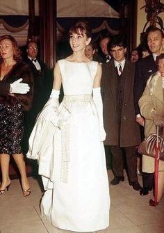 【永遠のファッションアイコン】オードリー・ヘップバーンの名言 - NAVER まとめ Audrey Hepburn quotes