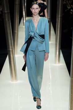 Armani truly does the most beautiful evening pants. Armani Privé - Spring 2015 Couture - Look 24 of 69