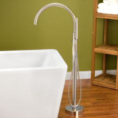 Durango Freestanding Bath Filler / Hand Sprayer - Brushed Nickel CODE: 107607