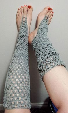 These barefoot socks work from the foot and up to the top of the leg. If you can make a granny square, you can make these! The double crochet stitches turn into longer stitches (htr, tr, hdtr, and dtr) as you work up the leg to give it more stretch. You can also quit at any time as you're working up the leg, if you want them shorter, just stop after any round and skip to the very last finishing round.