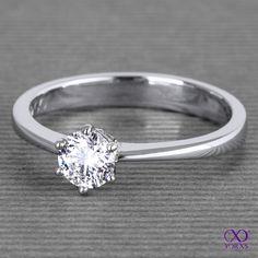 Flora with a brilliant in platinum. #flora #diamantring #solitärring #verlobungsring #engagement #marriage #getmarried #diamantschmuck #zertifiziert #yorxs