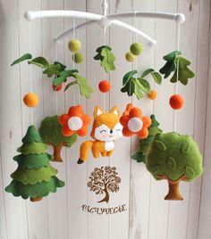 54 Details Of Flowers Nursery Crib Decor 77 - athomebyte Baby Mobile Felt, Felt Baby, Felt Crafts Diy, Baby Crafts, Baby Decor, Nursery Decor, Nursery Crib, Diy For Kids, Crafts For Kids