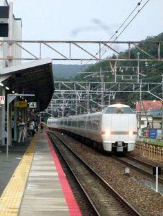 blackcat写真館: JR 山科駅にて