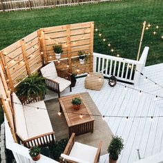 Deck Makeover Part II 2019 Shape and Color! The post Deck Makeover Part II 2019 appeared first on Backyard Diy. Deck Makeover, Backyard Makeover, Back Patio, Small Backyard Patio, Back Yard Deck Ideas, Patio Set Up, Patio Fence, Sloped Backyard, Backyard Seating