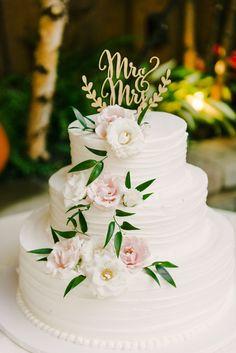 Perfect Hilton Garden Inn | Lindsay + Derick By Maria Mack Photography, White  Wedding Cake,