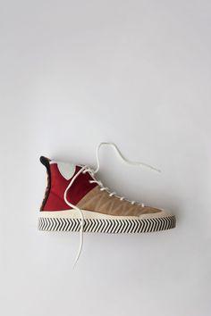 Sneakers in Blockfarben-Design