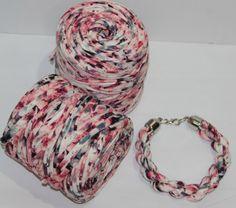 """La gargantilla """"Limbo one"""" está realizada con la bobina estrella, un mix de dos colores. ¡Es fabulosa para cualquier ocasión!"""