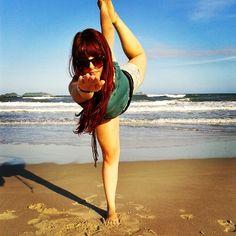 Dandayamana Dhanurasana – Bow Pose » Yoga Pose Weekly