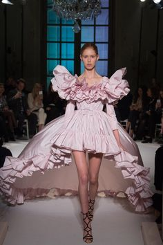 Ruffle pink gowns with puffy ruffled shoulders at Giambattista Valli #SS17 #Couture #PFW #Trend
