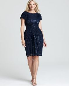 Tadashi Shoji plus size cocktail dress | More here: http://mylusciouslife.com/where-to-buy-tadashi-shoji-plus-size-dresses/