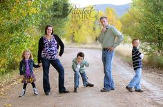 Image Detail for - Strike a Pose} Denver, CO :: Family Photographer Funny Family Photography, Funny Family Portraits, Outdoor Family Photography, Family Portrait Poses, Family Picture Poses, Family Posing, Photography Poses, Family Photos, Portrait Ideas