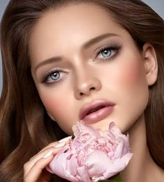 A soft look for @katiusha_feofanova �� #glamfacedolls #glamglitz #beautybabe #beautyface #glam #modelface #face #facetime #famous #celebrity #lookatme #glamfaces #instagood #vivaglam #maccosmetics #beauty #makeupforeverofficial #sephora #lilighalichi #hudabeauty #kandeejohnson #hollywoodglam #makeup #vegasnay #joycebonelli #sheidafashionista #amrezy #kardashians #kylie #stunning http://tipsrazzi.com/ipost/1524766958111836236/?code=BUpD3hHgkhM