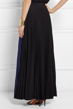 Two-tone pleated crepe maxi skirt