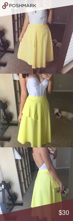 Zara yellow midi skirt Perfect condition, worn once for a few hours. Summer 17 collection. Please contact me with any questions!💛 Zara Skirts Midi