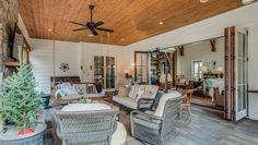 The star goes back to her country roots - see inside her fabulous new Tennessee 'farmhouse'.